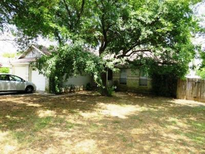 Photo of 803 Lexington Rd, Elgin, TX 78621