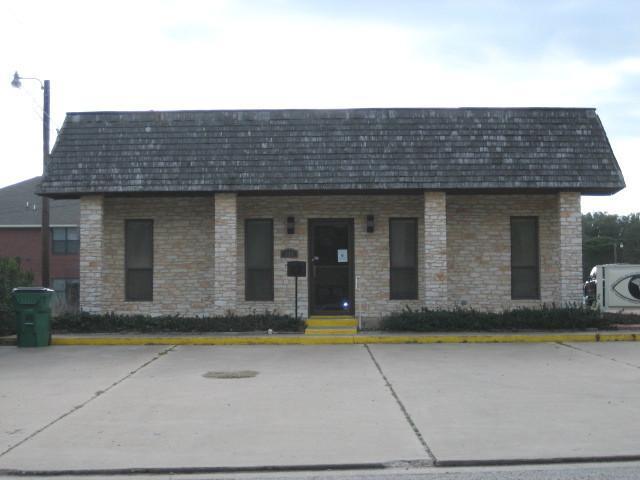 305 Childress Dr, Rockdale, TX 76567
