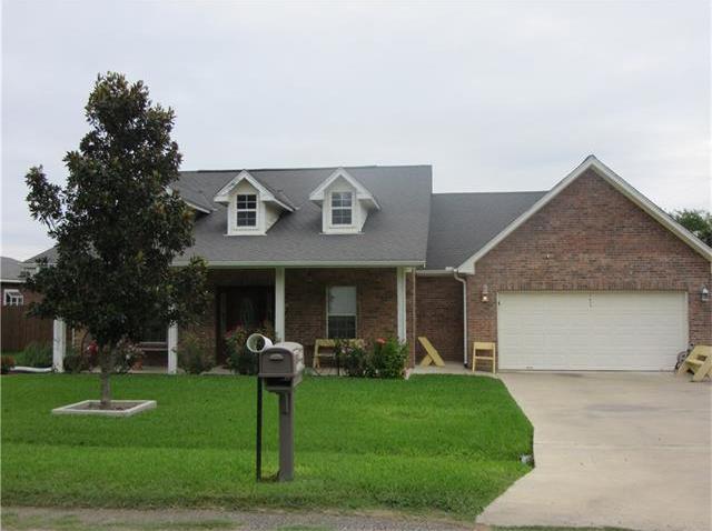 1610 Laurel St, Taylor, TX 76574