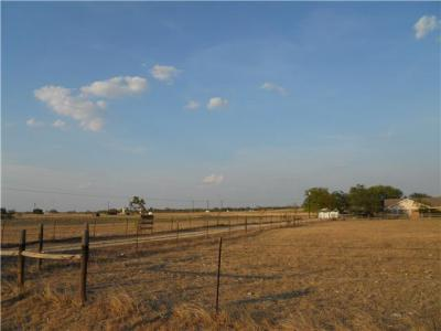 Photo of 1251 County Road 118, Hutto, TX 78634