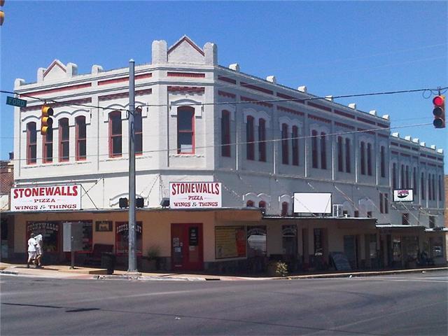 101 W Main St, Llano, TX 78643