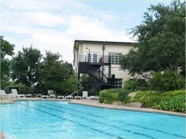 8212 Barton Club Dr #31-6, Austin, TX 78735