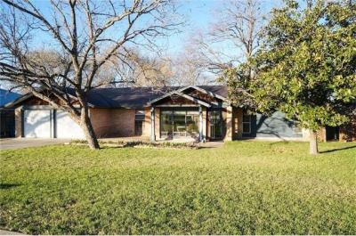 Photo of 10604 School House Ln, Austin, TX 78750