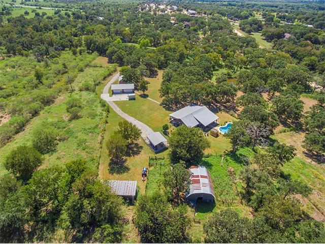 65 Catfish Ln, Lockhart, TX 78644