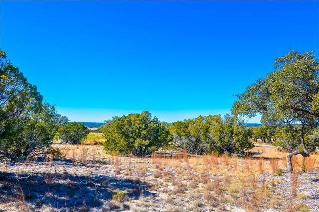 60 Rock Bend Ct, Spicewood, TX 78669