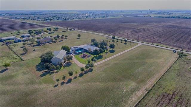 2001 County Road 118, Hutto, TX 78634