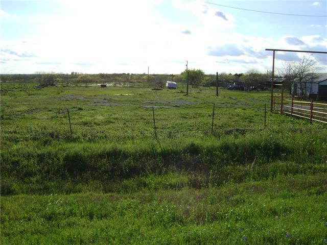 5133 N Us Highway 183, Lockhart, TX 78644