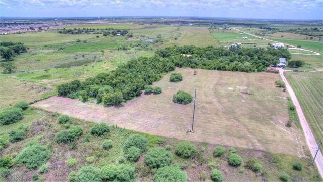 670 Michelson Ln, New Braunfels, TX 78130