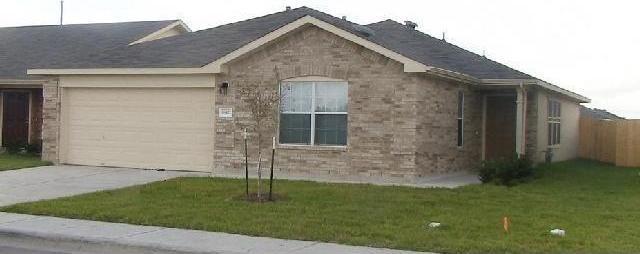 18421 Cloudmore Ln, Elgin, TX 78621