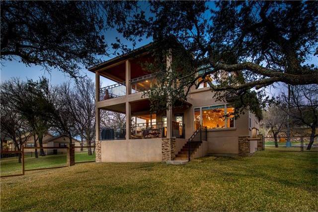 118 Bridgepoint Dr, Kingsland, TX 78639