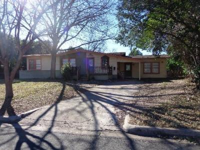 Photo of 7506 Grover Ave, Austin, TX 78757