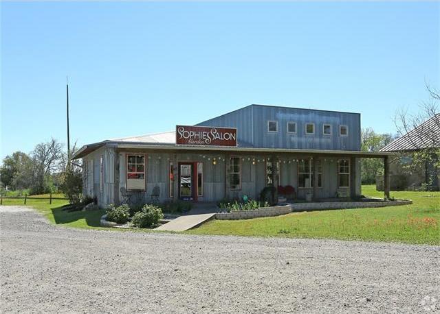 665 W Highway 290, Dripping Springs, TX 78620