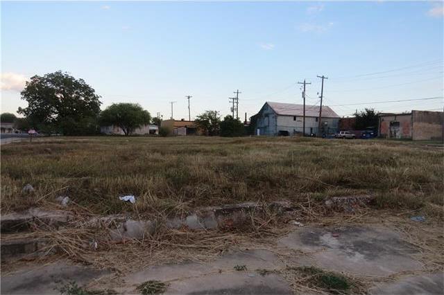 118 N Laurel, Luling, TX 78648