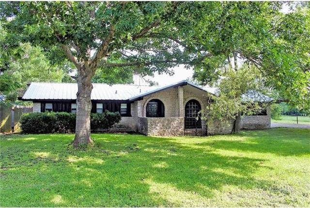 1202 State Park Rd, Lockhart, TX 78644