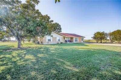 Photo of 1060 Haybarn Ln, Hutto, TX 78634