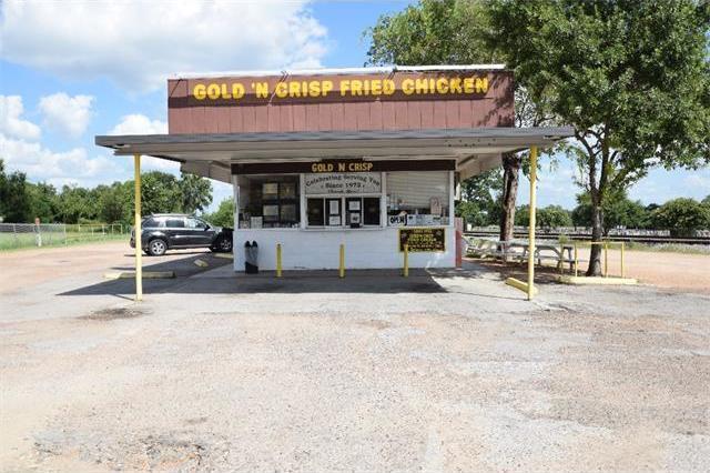 922 E Travis St, La Grange, TX 78945