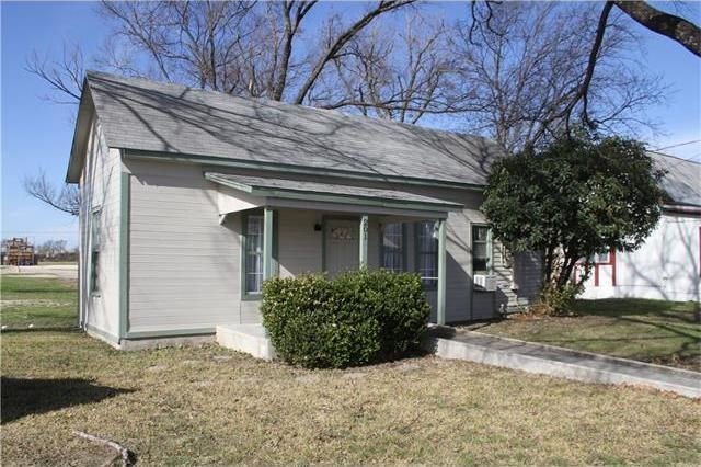 201 West St, Hutto, TX 78634