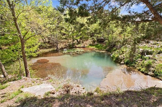 605 Oakwood Ln, Dripping Springs, TX 78620