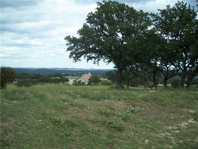 101 Crescent Ct, Spicewood, TX 78669