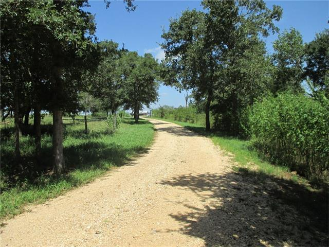 595 Green Acre Dr, Dale, TX 78616
