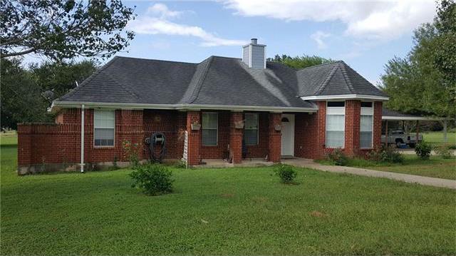 190 Norma Jean Blvd, Smithville, TX 78957