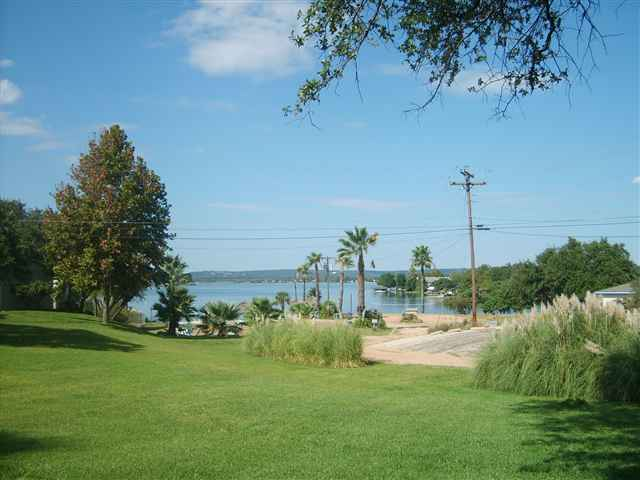 604 Highcrest #221, Granite Shoals, TX 78654