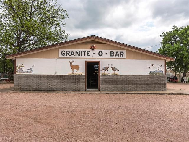 410 E Young St, Llano, TX 78643