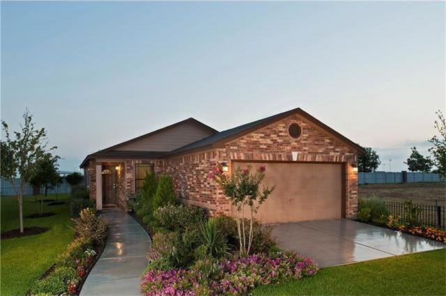 816 Estes Park, Taylor, TX 76574