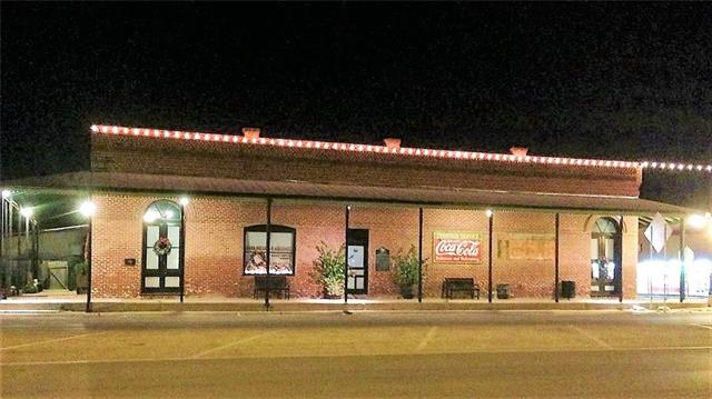 207 Main St, Other, TX 77474