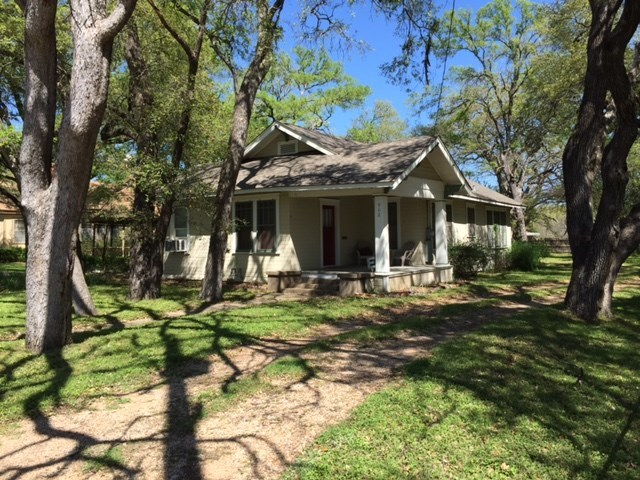 902 Ward, Other, TX 76661