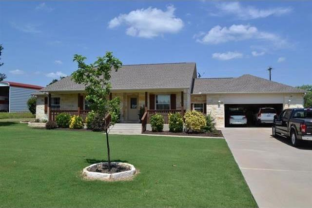 184 Chesterfield Dr, Kingsland, TX 78639