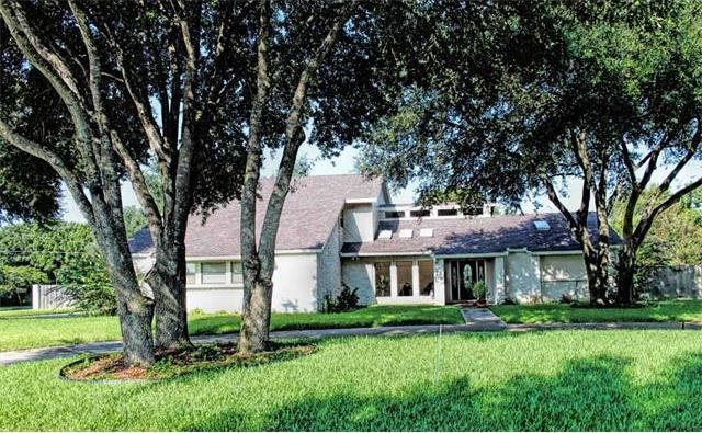 1627 Parkview Dr, Lockhart, TX 78644