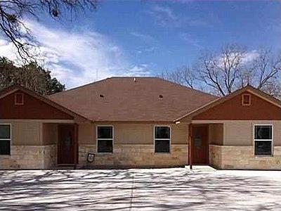 Photo of 1010 N Main St, Burnet, TX 78611
