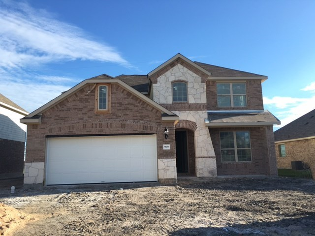 909 Emory Stable Dr, Hutto, TX 78634