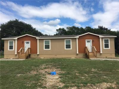 Photo of 121 Reynolds St, Lockhart, TX 78644
