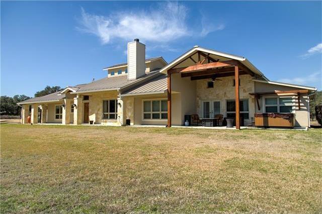 426 Preiss Ranch Rd, Blanco, TX 78606