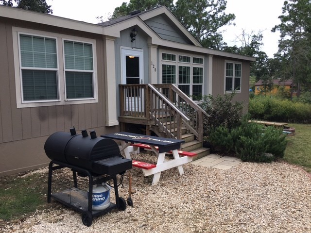 125 Peace Haven Ln, Bastrop, TX 78602