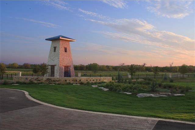 125 River Lakes Lane, Martindale, TX 78655
