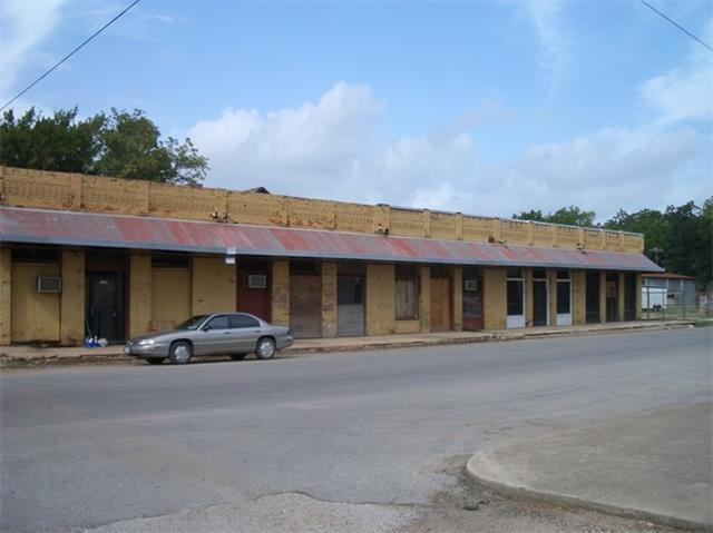 109 NW 2nd, Smithville, TX 78957