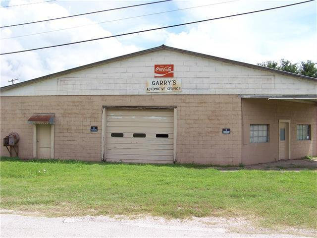 101 S 1st St, Thorndale, TX 76577