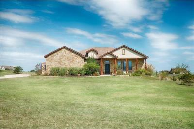 Photo of 104 Lookout Cir, Hutto, TX 78634
