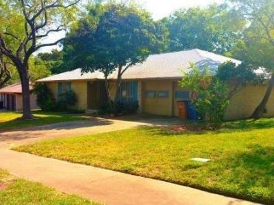 Photo of 1305 Warrington Dr, Austin, TX 78753