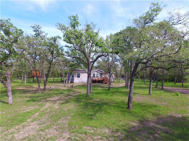 7187 Mockingbird Rd, Flatonia, TX 78941