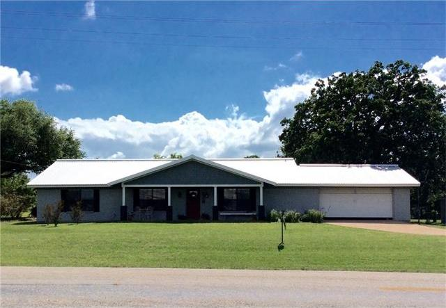 453 Centennial St, Carmine, TX 78932