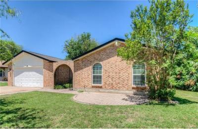 Photo of 10405 School House Ln, Austin, TX 78750