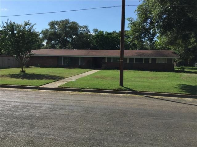 206 Barton St, Other, TX 77859