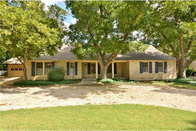 1700 Meadow Ln, Taylor, TX 76574