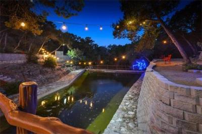 Photo of 1103 Ridgecrest Dr, Austin, TX 78746