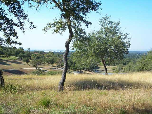 225 Hidden Hills Dr, Spicewood, TX 78669