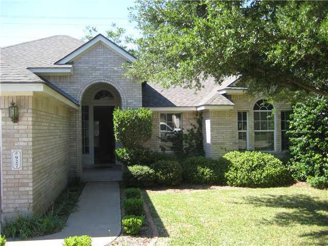 927 Woodridge Ln, Cedar Park, TX 78613